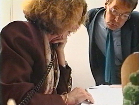 http://joelbartolomeo.net/files/gimgs/th-47_22_Francoise-et-Journiac_1994_5mn30_Bartolomeo.jpg